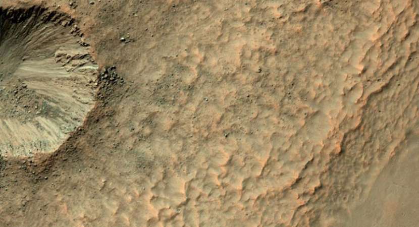 Aliens on Mars! Conspiracy theorists claim to have proof: Watch video