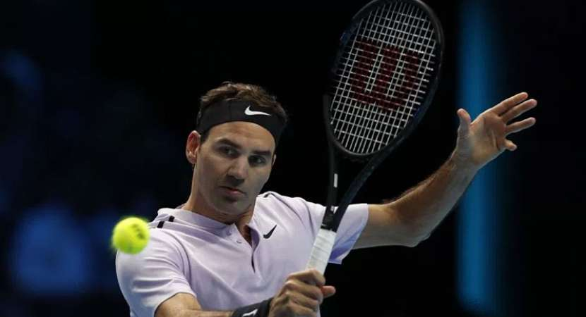 Roger Federer beats Sock at ATP Finals opener