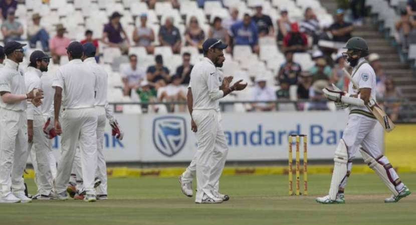 South Africa set India 208 to win Cape Town Test