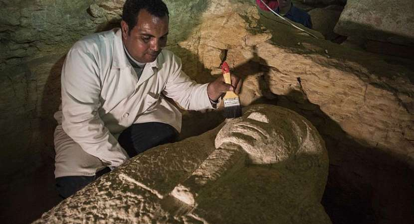 3,000-year-old tombs unearthed in Tibet