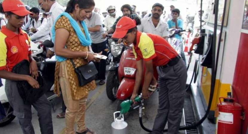 Fuel rates appear unaffected by costlier crude, analysts wary of price control
