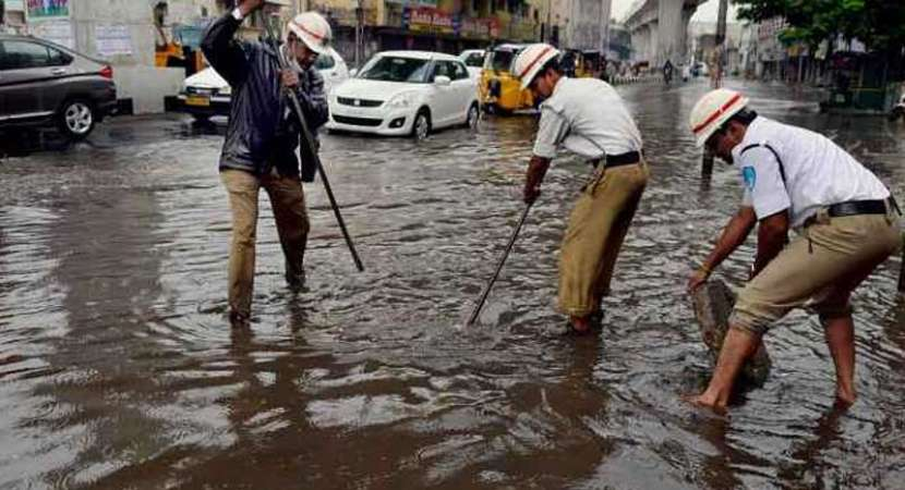 Heavy rains in Telangana kill 5, crop loss over Rs 100 crore