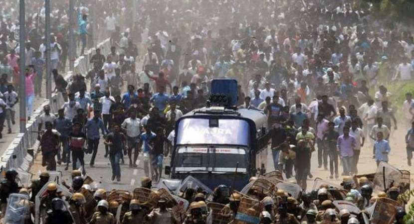 11 dead in police firing in Toothukudi after Sterlite protests turn violent