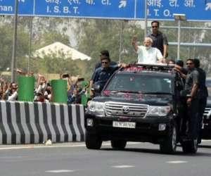 PM Modi holds roadshow, inaugurates first phase of Delhi-Meerut Expressway