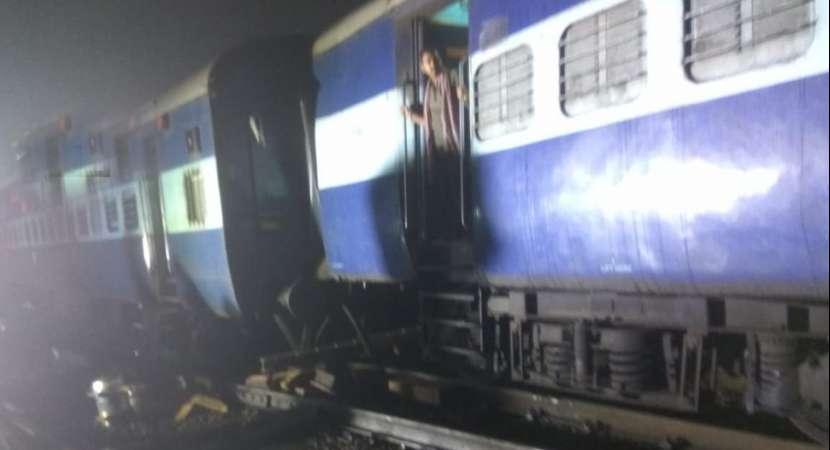 Three coaches of Mumbai-Howrah Mail train derail in Maharashtra