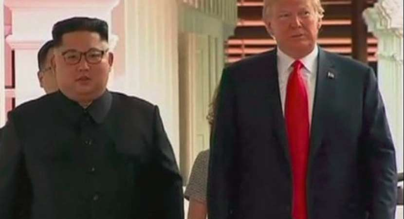Donald Trump, Kim Jong Un meet, begin historic summit in Singapore