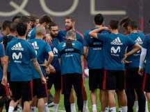Spain starts training for World Cup clash vs Iran without Reina