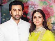 As per the news on an entertainment portal, Ranbir and Alia might tie wedding knot in 2020.