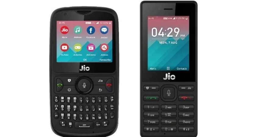 Reliance Jio Phone 2 with Jio Phone: Size, Specs, Camera Comparison