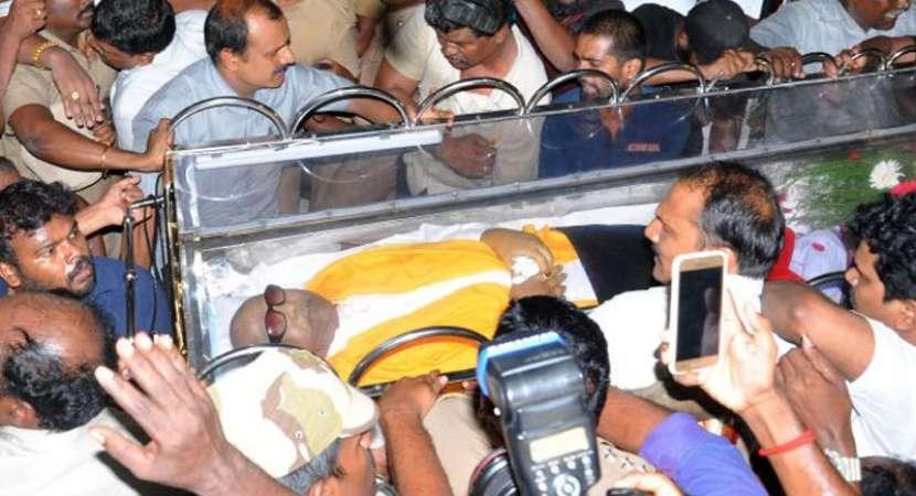 Karunanidhi to be buried at Marina Beach
