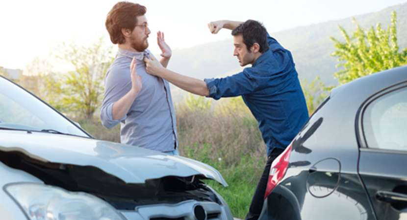 You need not argue or fight after minor road accident. Here's why?
