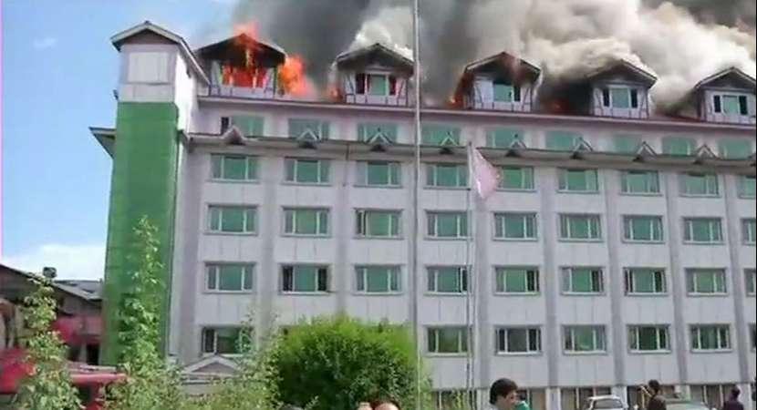 Fire broke out at Hotel Pamposh near Regal Chowk in Srinagar